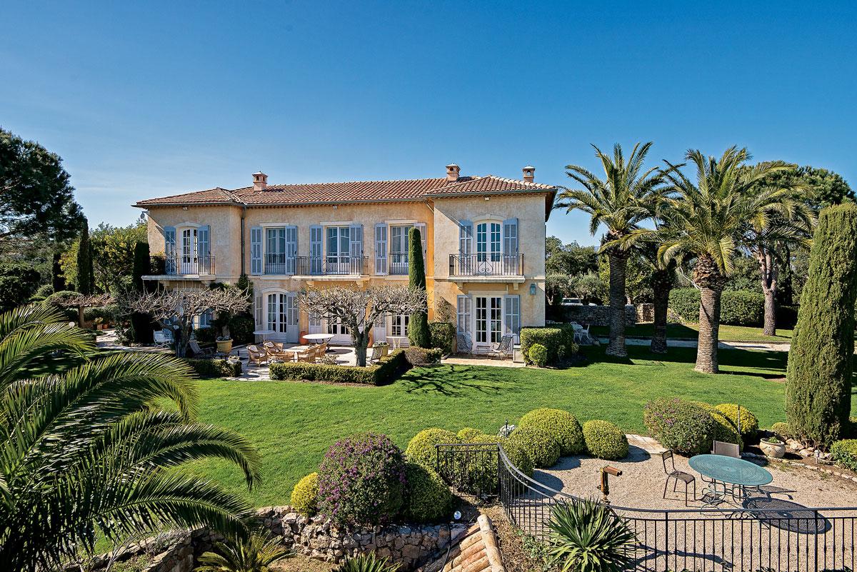 luxury sea view villa in super cannes france international property travel. Black Bedroom Furniture Sets. Home Design Ideas
